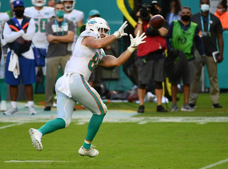 Week 10: Chargers at Dolphins – Odds & Picks (Sun, 11/15)