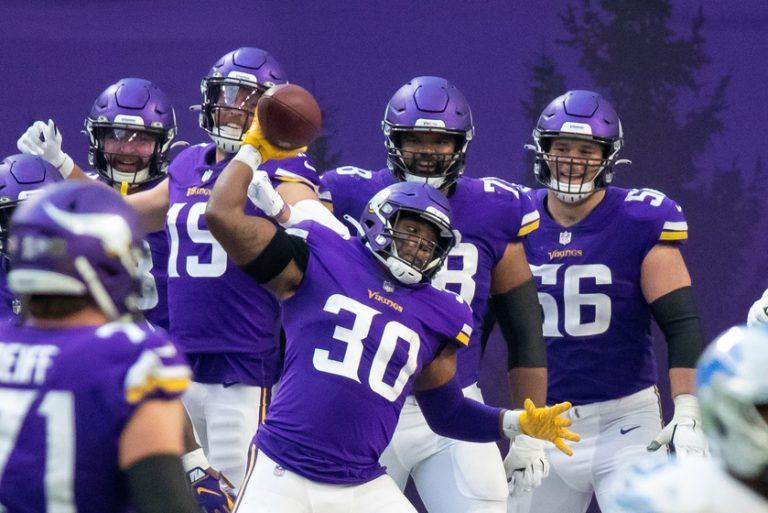 NFL Week 12: Panthers at Vikings Odds, Picks, Preview (Nov 29)