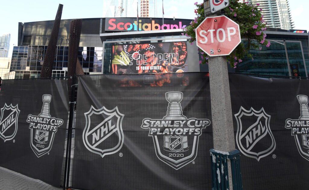 Nhl: Stanley Cup Playoffs Philadelphia Flyers At New York Islanders
