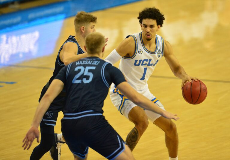 NCAAF Week 15: #15 USC at UCLA Vegas Odds, Pick, Preview (Dec 12)