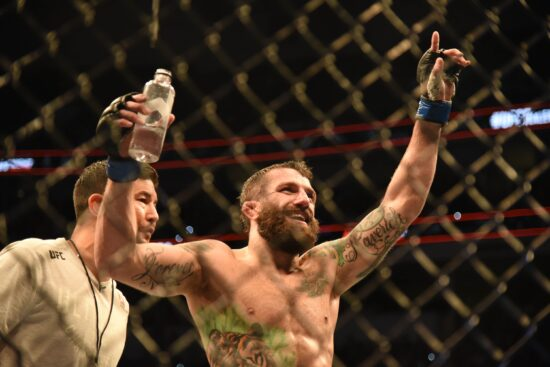 Mma: Ufc Fight Night Raleigh Dos Anjos Vs Chiesa