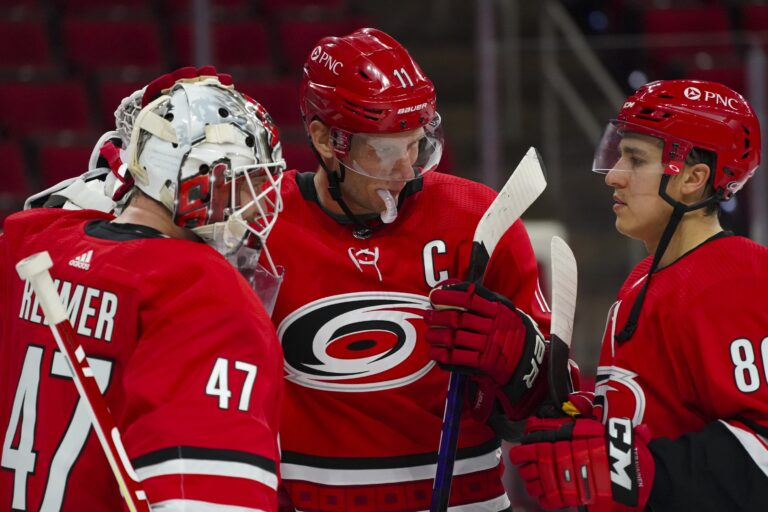 Free NHL Pick: Panthers vs Hurricanes Prediction & Lines (Feb 17)