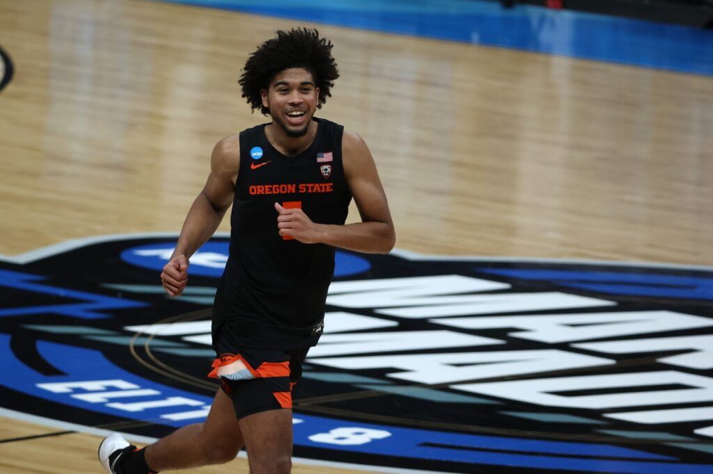Mar 27, 2021; Indianapolis, Indiana, USA; Oregon State Beavers guard Ethan Thompson (5) reacts during the second half against the Loyola-Chicago Ramblers in the Sweet Sixteen of the 2021 NCAA Tournament at Bankers Life Fieldhouse. Mandatory Credit: Trevor Ruszkowski-USA TODAY Sports