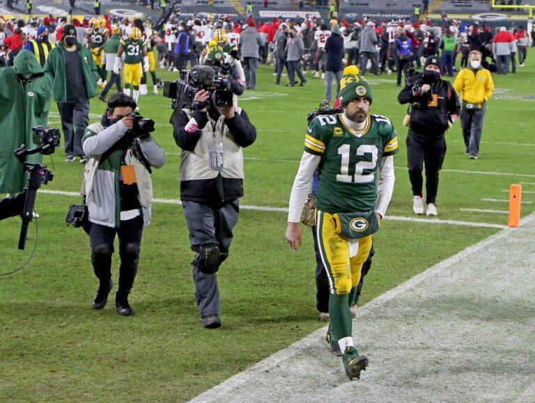 Former Teammate Believes Aaron Rodgers is 75% Packers' Starting Back in 2021