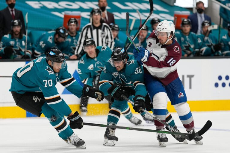 Free NHL Pick: Coyotes vs Sharks Prediction & Lines (May 7)