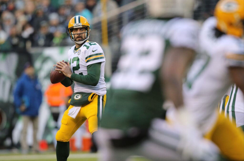 Aaron Rodgers gets ready to toss a pass in the second half. Sunday, December 23, 2018Jets V Packers