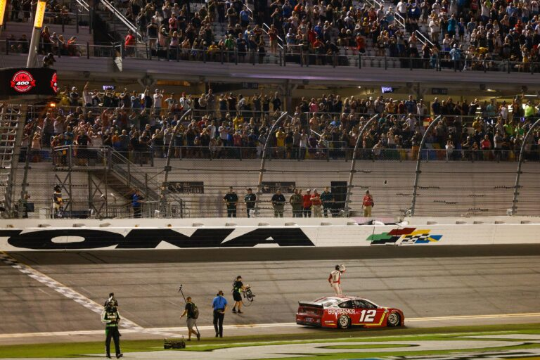 NASCAR: Cook Out Southern 500 Preview, Odds & Pick (September 5)