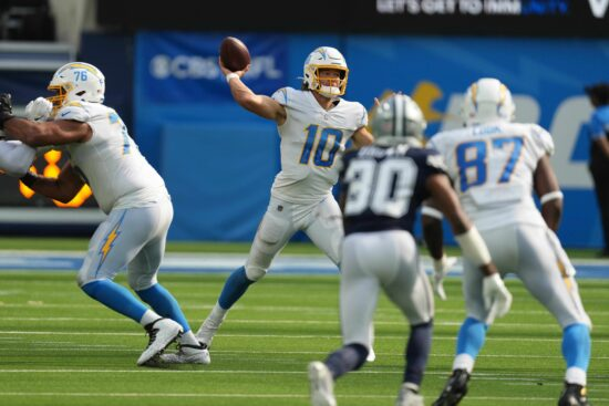 Free NFL Pick: Chargers vs Chiefs Prediction, Odds (Sept 26)