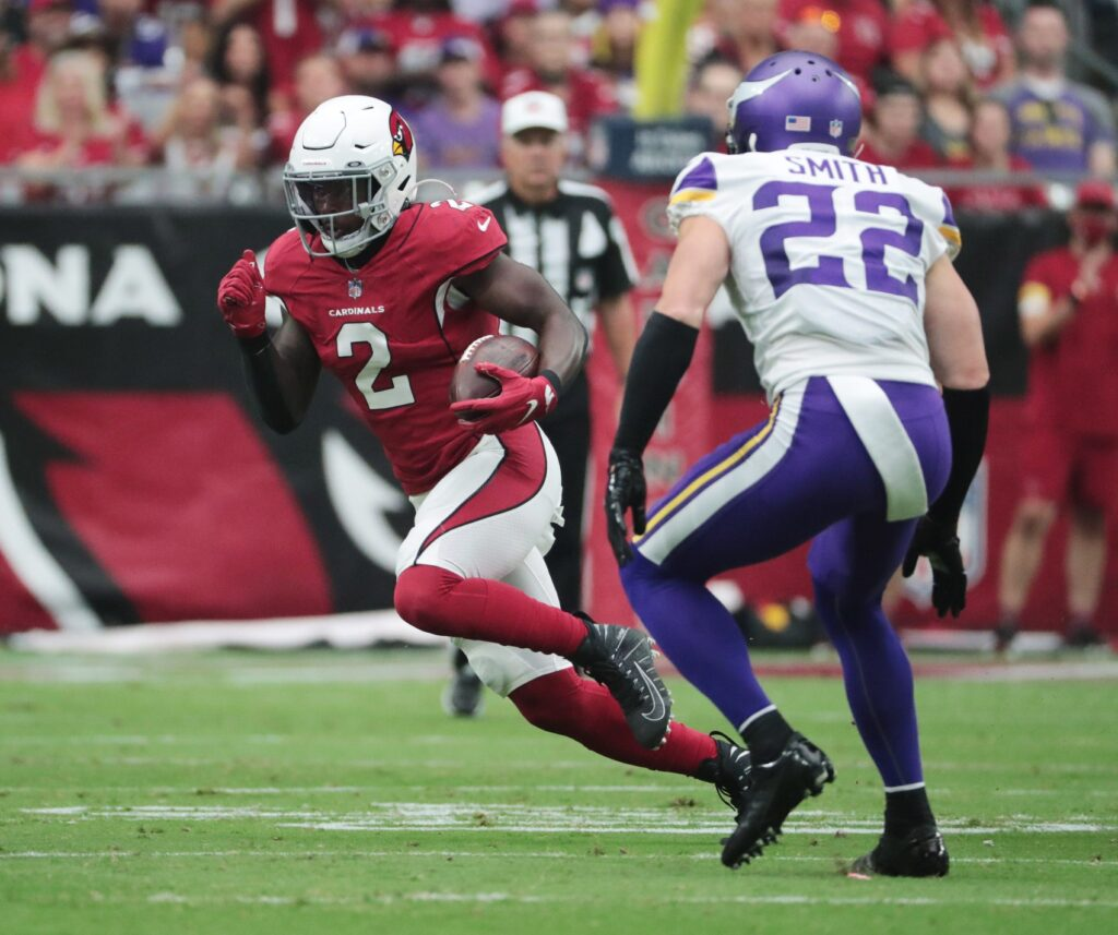 Arizona Cardinals running back Chase Edmonds (2) runs with the ball against Minnesota Vikings free safety Harrison Smith (22) during the first quarter in Glendale, Ariz. Sept. 19, 2021.  Cardinals Vs Vikings