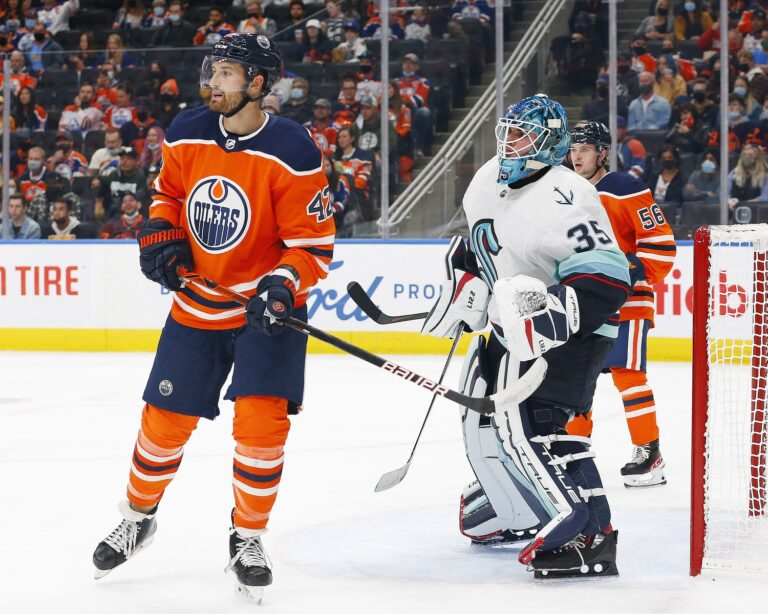 NHL Pre-Season: Bruins & Lightning Beaten, Oilers Claim Big Win