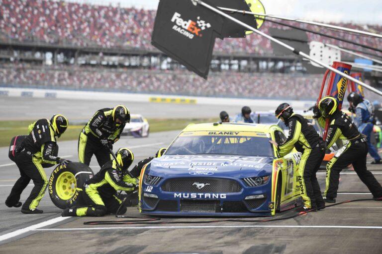 NASCAR: Autotrader EchoPark Automotive 500 Vegas Odds, Pick (October 17)