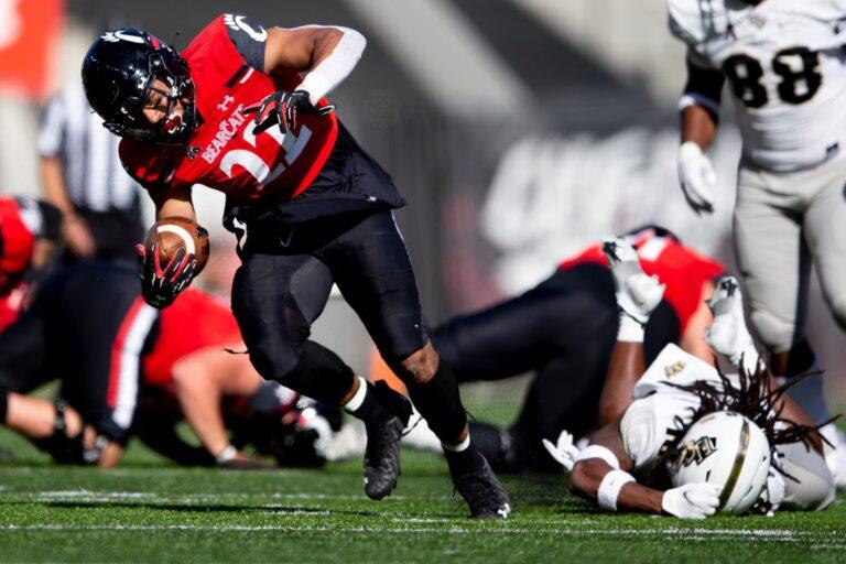 College Football Picks: Cincinnati vs Navy Vegas Odds, Prediction (Oct 23th)