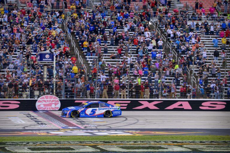 NASCAR: Hollywood Casino 400 Vegas Odds, Prediction (October 24)