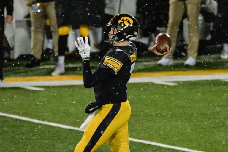 2020 Music City Bowl Odds: Missouri vs #15 Iowa Pick & Preview (Dec 30)