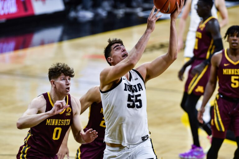 [POSTPONED] Michigan State vs #5 Iowa: NCAAB Odds, Picks, Schedules, Lines (Jan 14)