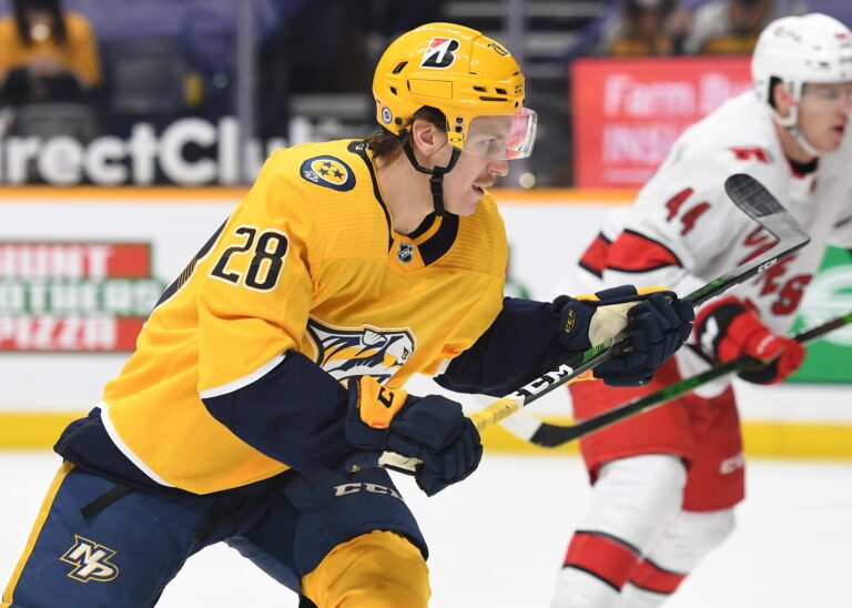 Tolvanen Signs Three-Year Deal With Predators, Remain Among Outsiders