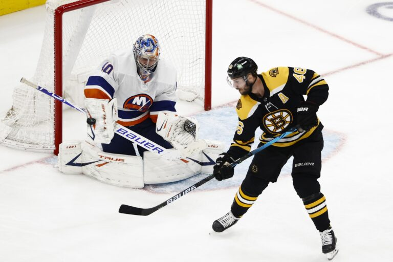 Krejci Leaving Bruins After 15 Years, Fleury Moves To Blackhawks