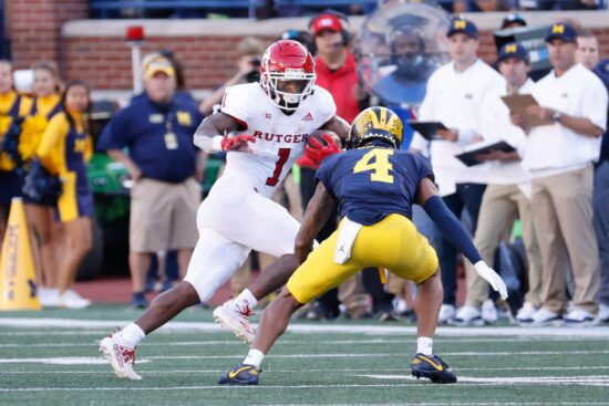 College Football Picks: Michigan vs Wisconsin Odds, Preview (Oct 2)